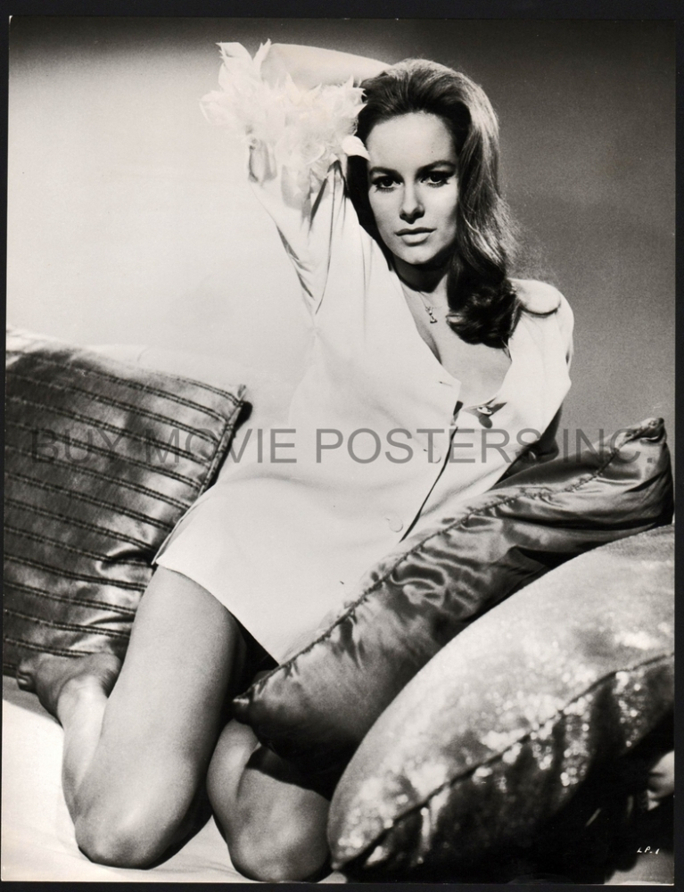 Luciana paluzzi, james bond girl
